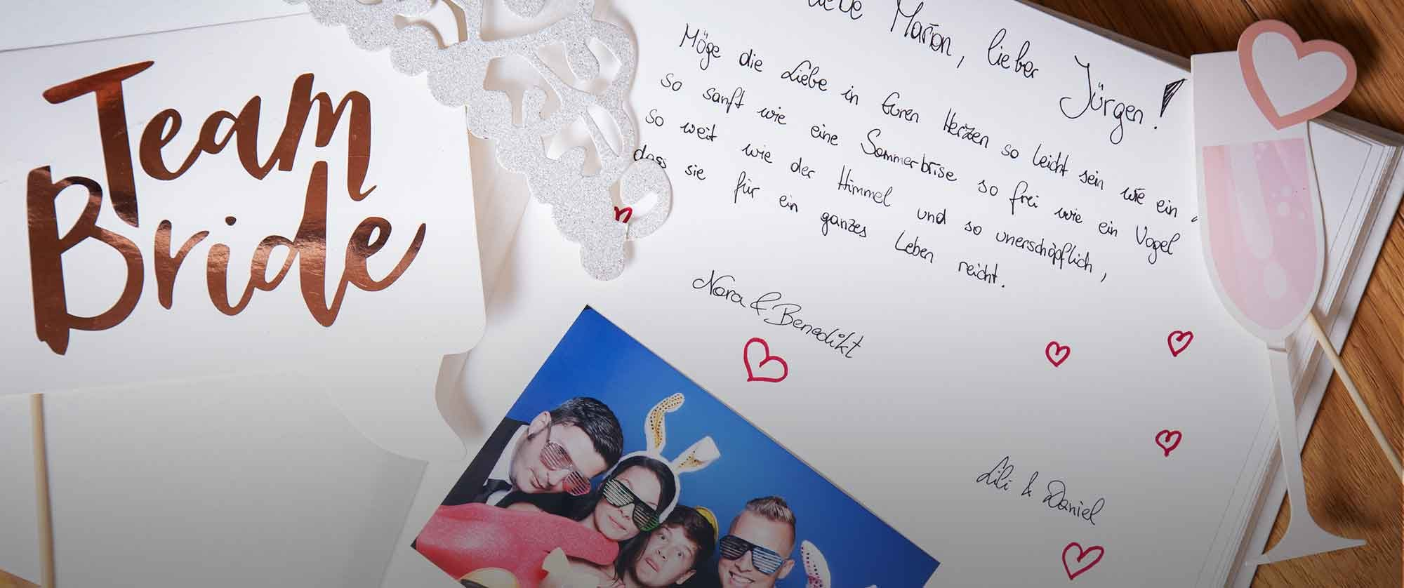 Hochzeits Gästebuch mit Fotos der Fotobox